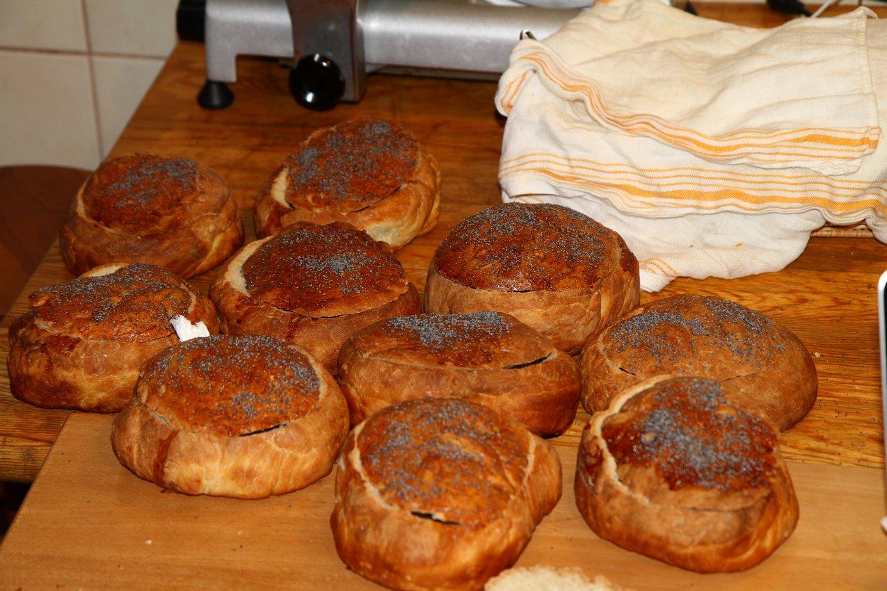 Chleby upieczone przez Mikołaja