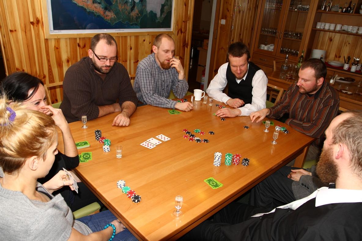 Świętowanie umilała nam... gra w pokera