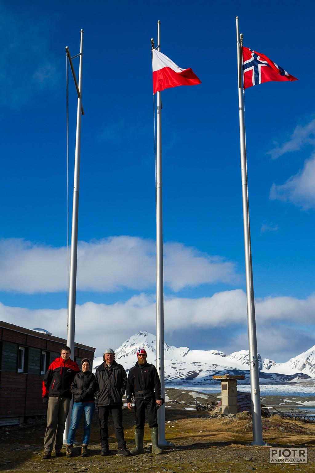 Z norweskim pastorem i kierownikiem przed Stacją