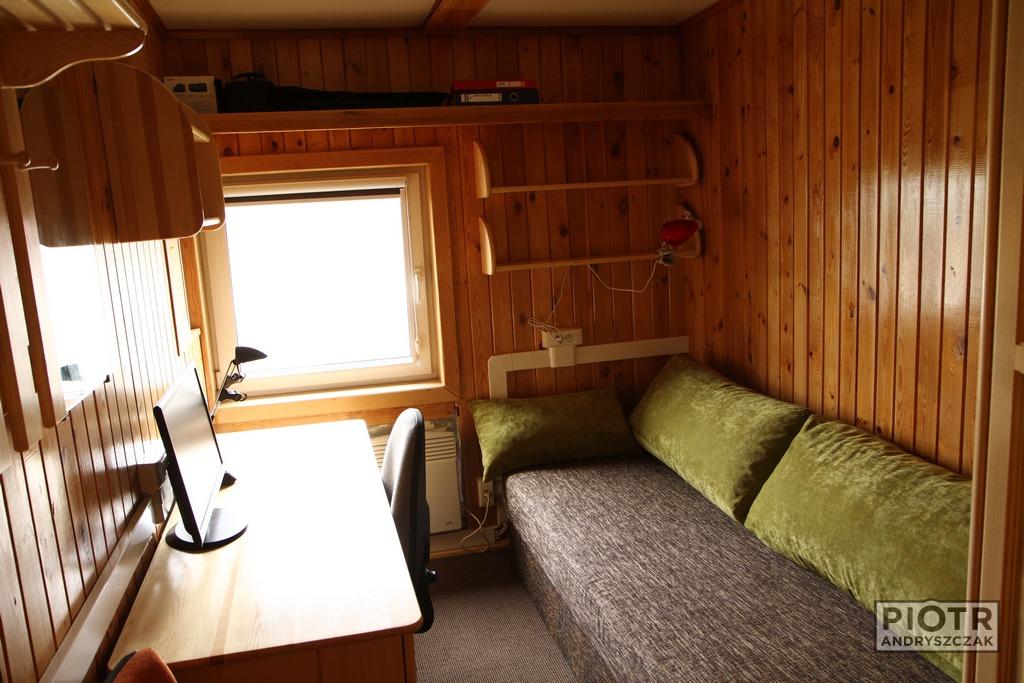 Wysprzątany pokój czeka na nowego zimownika