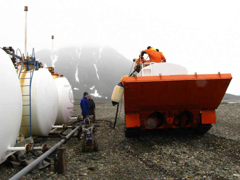 Tankowanie paliwa ze zbiornika na PTS-ie