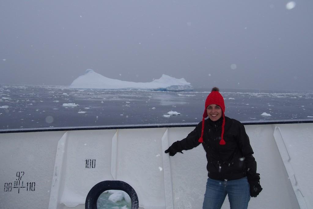 Jedna z pierwszych napotkanych gór lodowych