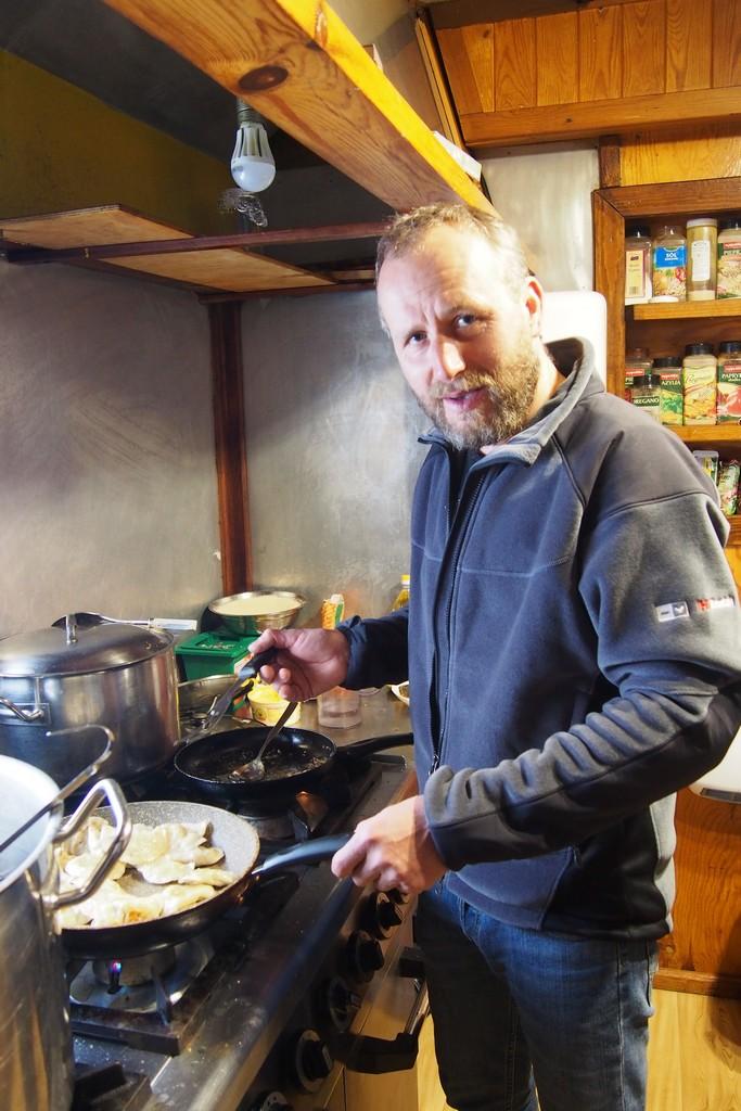 Damian coś polubił gotowanie