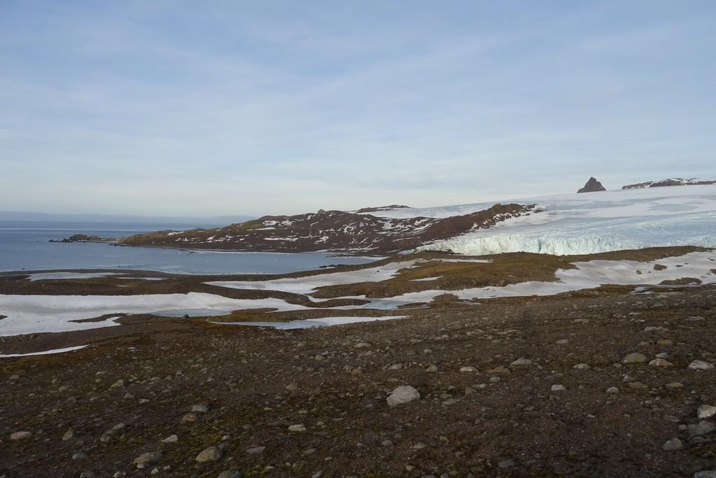 Widok na lagunę, którą trzeba przepłynąć