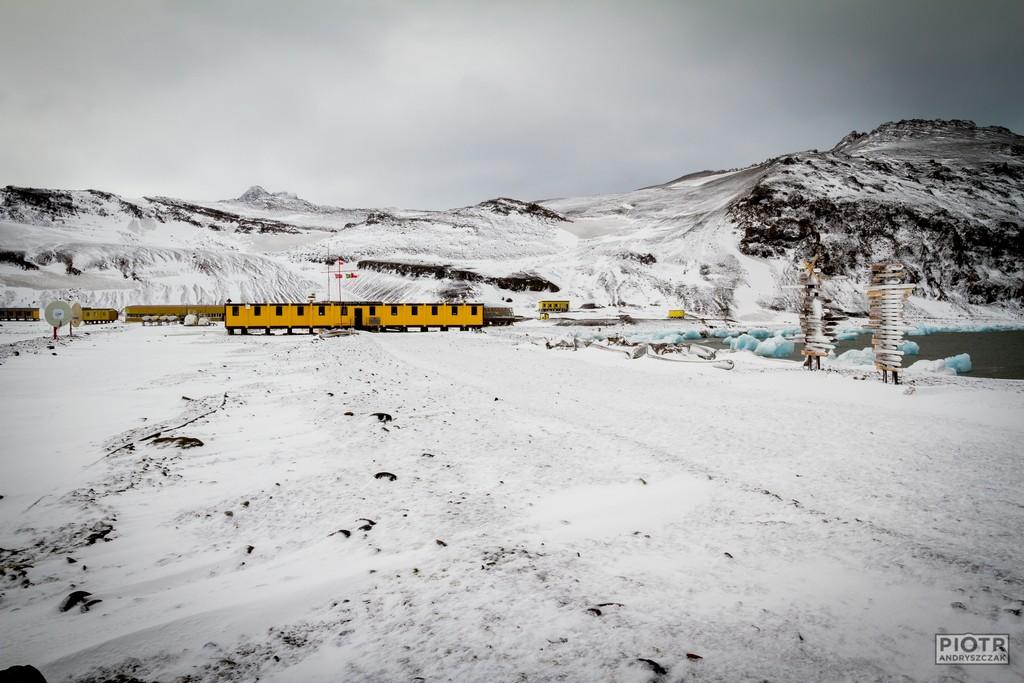Stacja pod koniec zimy