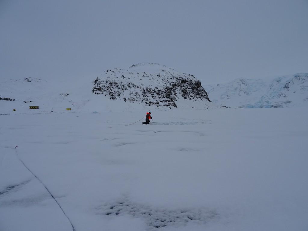 Piotrek na lodzie, kamerka pod lodem